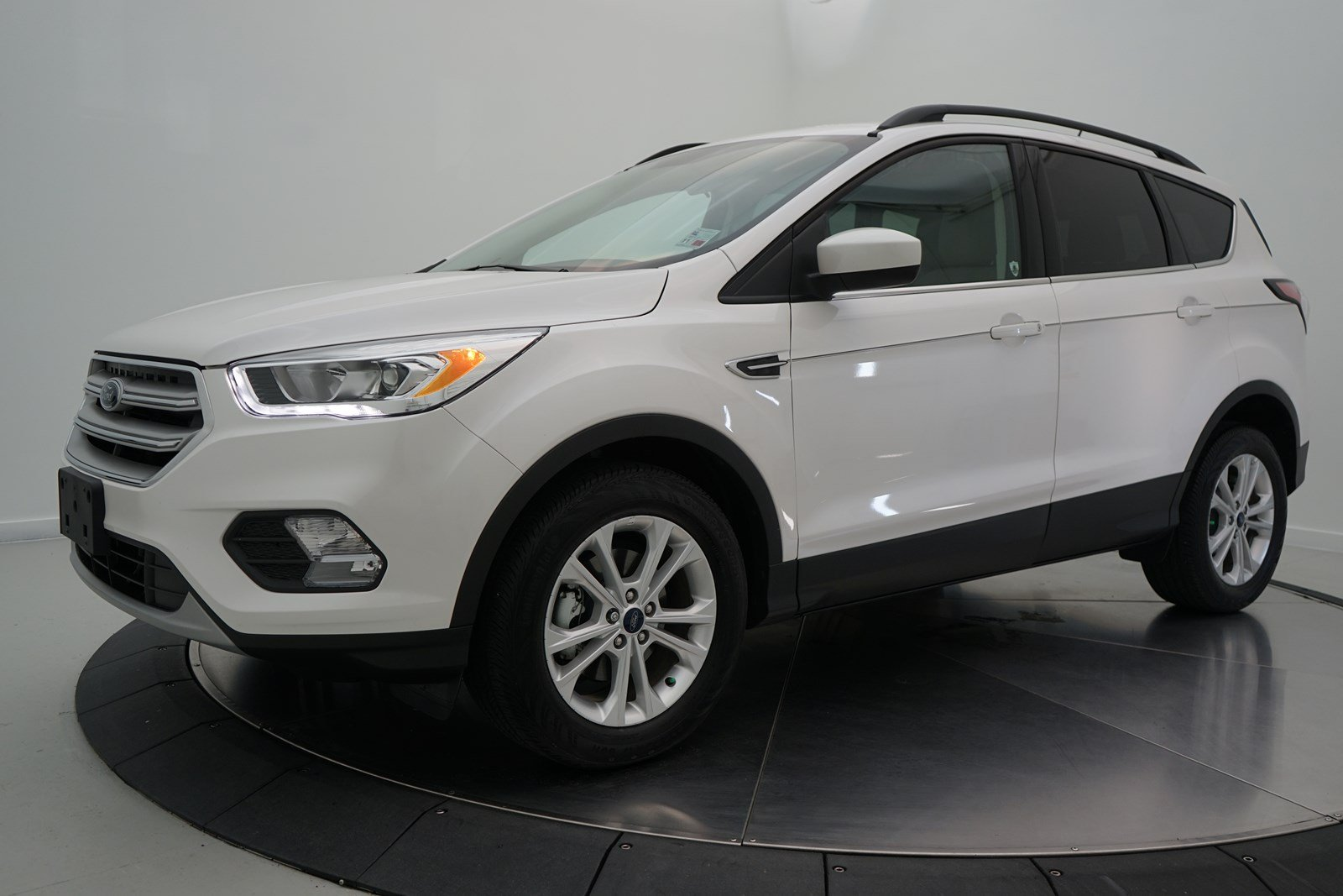 Pre owned 2018 ford escape sel