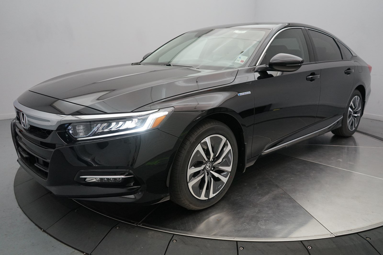 New 2018 Honda Accord Hybrid EX L with Navi