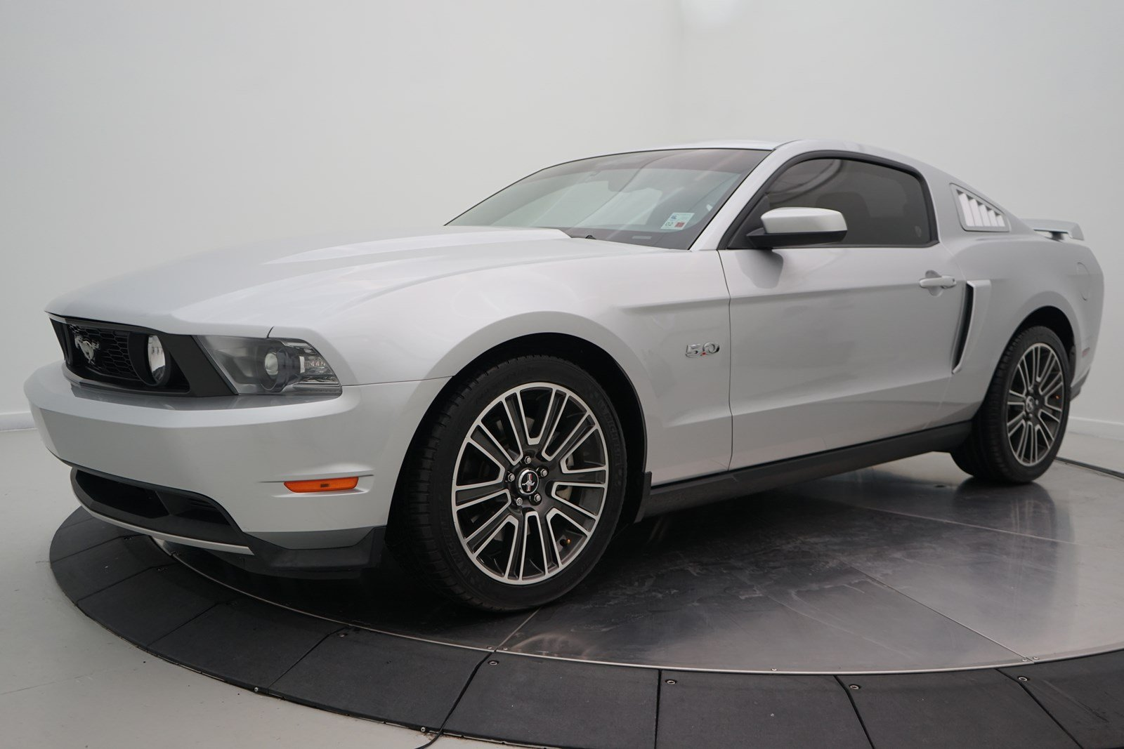 Pre owned 2012 ford mustang gt